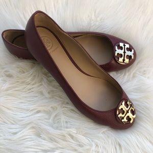 Tory Burch flats with gold size 7
